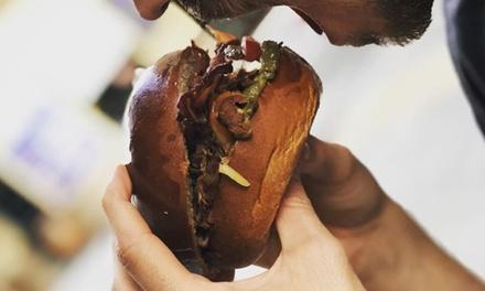 Menú para 2 o 4 con entrante, principal y bebida en Lovemunchies (hasta 52% de descuento)