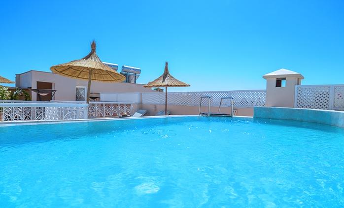 Marrakech: 1 à 7 nuits avec petit déjeuner, dîner marocain, thé à la menthe et pâtisseries au Riad Ayni pour 2 personnes