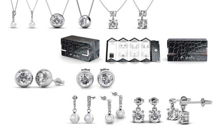 Groupon Goods Global GmbH: Coffrets composés de parures colliers et boucles d'oreilles ornées de cristaux Swarovski®