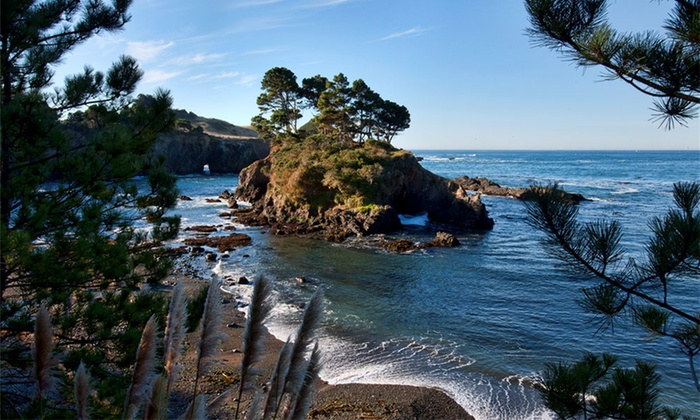 Inn with Ocean Views on Mendocino Coast