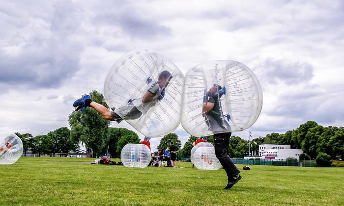 Clashball Krefeld - Mehrere Standorte: 60, 90 oder 120 Min. Bubble-Fußball inkl. Schiedsrichter für bis zu 30 Personen bei Clashball (bis zu 40% sparen*)