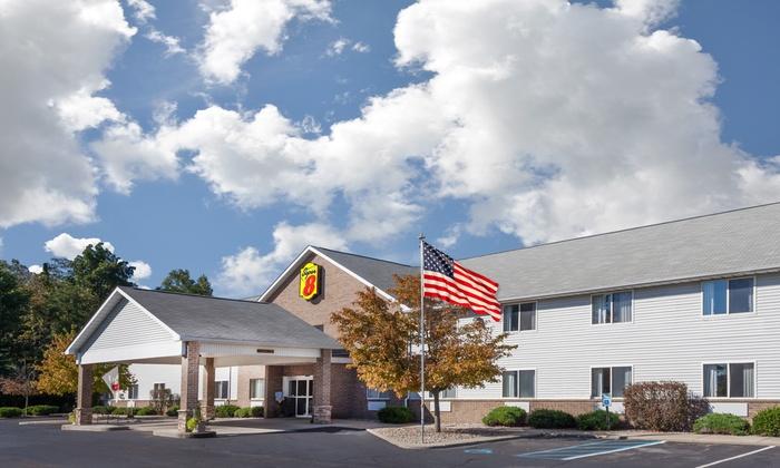 Convenient Hotel in Southeastern Michigan