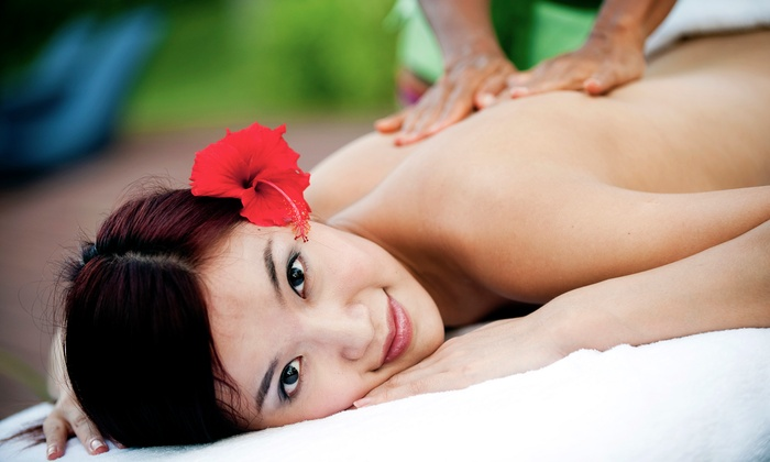 Metropolitan Aromatherapy and Relaxation Studio - Mt. Pleasant: $49 for a 60-Minute Back or Aromatherapy Massage at Metropolitan Aromatherapy and Relaxation Studio ($110 Value)