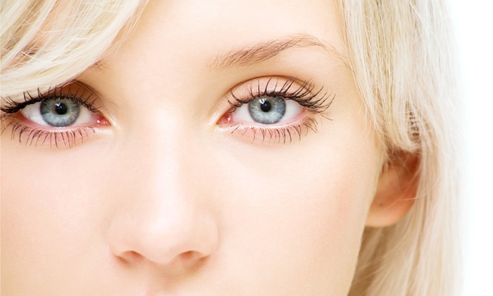 Haute Hair Studio - Canyon Gate: $75 for a Full Set of Eyelash Extensions and Application at Haute Hair Studio ($125 Value)