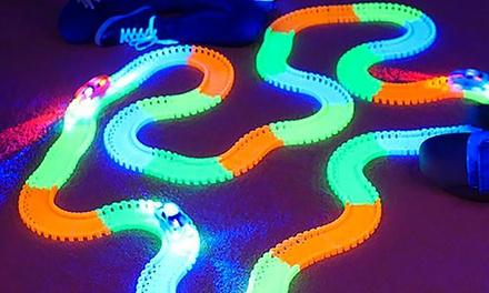 Magic Tracks glow in the dark racebanen met 240 onderdelen