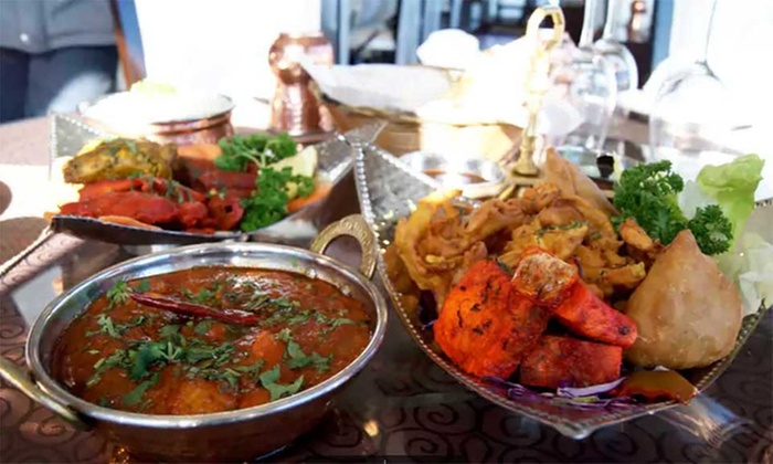 D' Grand Haveli - Manukau: Indian Lunch with Naan and Drink for One ($15), Two ($30) or Six People ($85) at D' Grand Haveli (Up to $179.28 Value)
