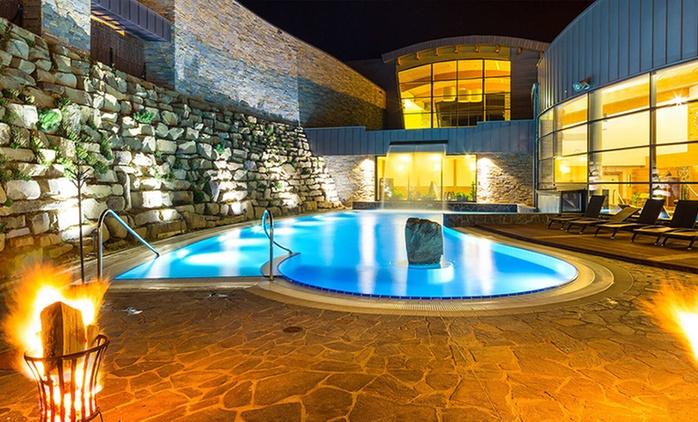 Tatry - Murzasichle: 2-8 dni dla 2 osób z wyżywieniem, sauną i pakietem atrakcji w Sądelskim Dworze 4*