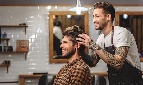 Pacchetto capelli per uomo con shampoo, taglio e trattamento completo barba al salone Staff Pierre (sconto fino a 38%)