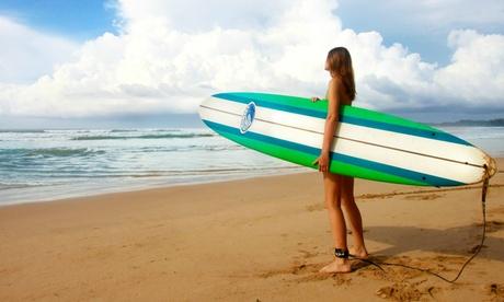 Gijón: hasta 14 noches para 1 en régimen de todo incluido, clases de surf, materiales y monitores en Olas Surf School