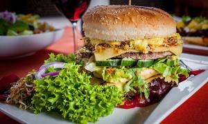 Restauracja Texas: Festiwal burgerów: wybrany burger z napojem dla 2 osób za 29,99 zł i więcej opcji w Restauracji Texas (-38%)