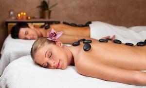 Topwellness Hair & Beauty: Massage classique ou aux pierres chaudes avec ou sans extra en solo ou duo àpd 29,99€ chez Topwellness