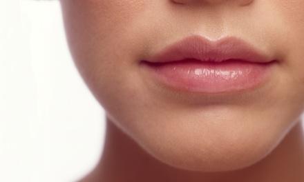 Sesión de recontorneado y/o relleno de labios con ácido hialurónico desde 49,95 € en Clínica Nadal Palma