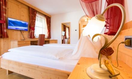 Südtirol: 2, 3 oder 7 Nächte für Zwei mit Halbpension, 1x Flasche Wein, Mobilcard und Wellness im Hotel Goldene Rose