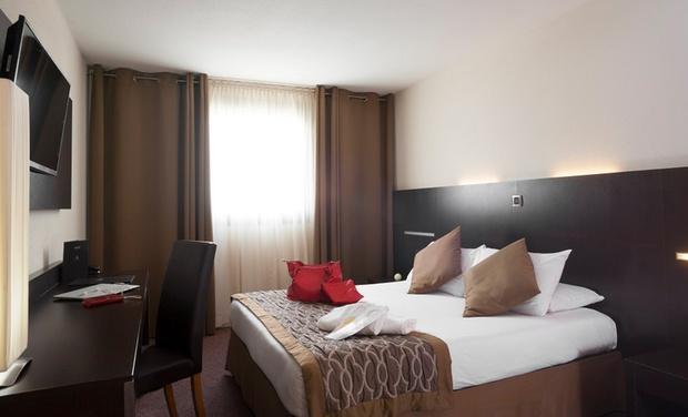 Hotel apogia paris groupon for Hotel paris chambre 4 personnes