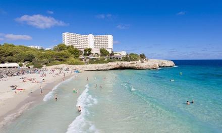 Spanje, Mallorca: 4 of 7 nachten in 4* Hotel Globales America met All Inclusive, transfer en vlucht vanaf AMS of EIN