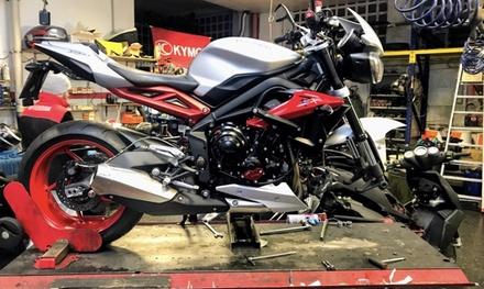 Tagliando per moto e scooter
