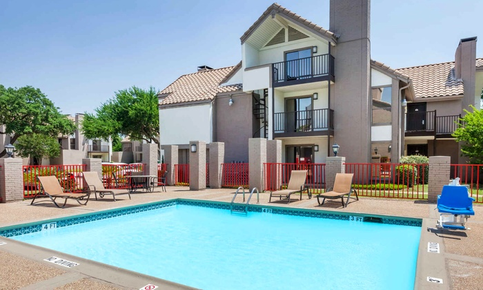 Comfortable Suites Near Dallas Airport