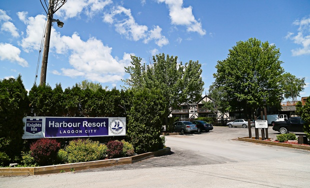 Knights Inn Harbour Resort And Hotel Lagoon City