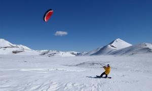 Go Snowkite: Kite Experience sulla neve o Wild Winter Experience con una notte in tenda sul Gran Sasso (sconto fino a 83%)