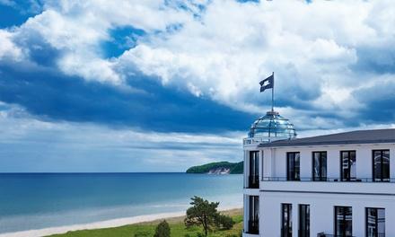Rügen: 2 oder 3 Nächte für Zwei mit Frühstück, Wellness-Gutschein und Pralinen im 5* Design Hotel Cerês am Meer in Binz