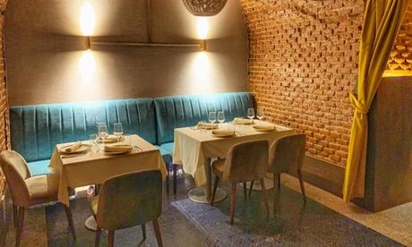 Menú fusión primavera para 2 con entrante, principal y postre en Restaurante Arrabal