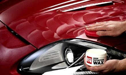 Sesión de limpieza avanzada, encerado premium o pulido profesional exterior para coche desde 24,90 € en Detail Park