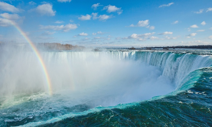 Niagara Falls Getaway with Dining & Wine Tasting