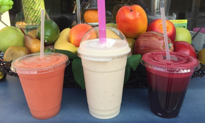 Juicy Green - Rutherford: $9 for $15 Worth of Juice & Smoothies at Juicy Green