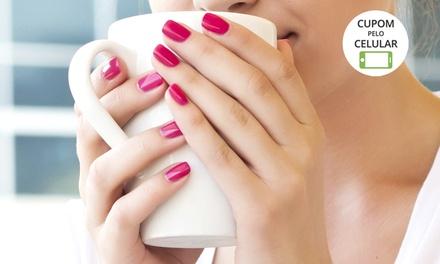 Espaço Miss Nails – Centro: aplicação de unhas de gel (opção com manicure)