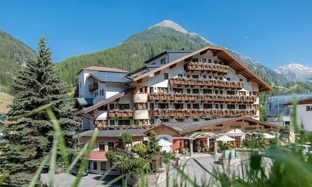 Tirol: 2-4 Nächte für Zwei in der Superior Suite mit Halbpension, Wellness, 1x Teilmassage, 1x Heubad im 4* Hotel Regina