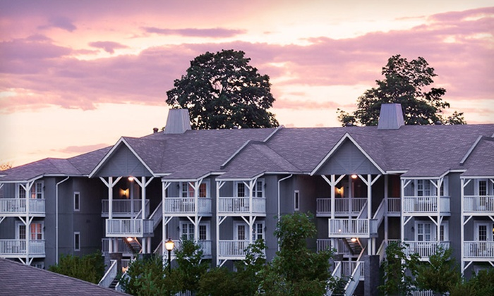 null - Buffalo: Stay at Carriage Ridge Resort at Horseshoe Valley, ON