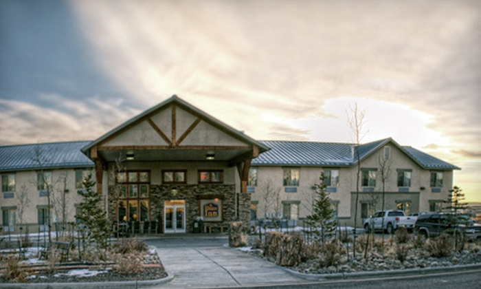 Riverside Inn - Fairplay: One- or Two-Night Stay in a Single-Queen, Double-Queen, or Single-King Room at Riverside Inn (Up to 60% Off)
