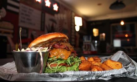 Menú para 2 o 4 personas con entrante, principal, bebida y postre desde 19,99 € en La Quinta 5th Burger