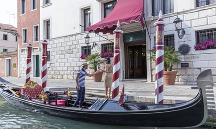 ✈ Venice: 2 or 3 Nights with Flights and Option for a Tour at Choice of 5* Hotels*