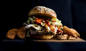Ristorante Green Bakery: Menu Burger con antipasto di Tapas e birra artigianale per 2 o 4 persone da Ristorante Green Bakery (sconto fino a 60%)