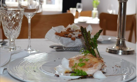 Hauptgang à la carte und Dessert für 2 oder 4 im XIX Neunzehn Hotel Restaurant Cafe JMM Gastro GbR (bis zu 43% sparen*)