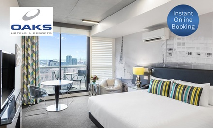 Melbourne, VIC: 2 to 7 Nights for Two People with Wine and Late Check=Out at Oaks On William