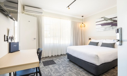 Finsbury, SA: Up to 3 Nights for Two with Breakfast, Wine, Early Check-In and Late Check-Out at Finsbury Hotel