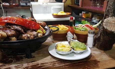 Comida o cena para 2 o 4 con entrante, brasero de carne, postre y botella de vino desde 24,95 € en Las Brasas de Vulcano Oferta en Groupon