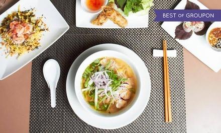 Entrée, plat et dessert pour 1 ou 2, le midi ou menu dégustation pour 2 dès 16 € au restaurant Saigon Panthéon // RDV