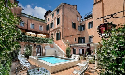 ✈ Rome and Venice: 4 or 6 Nights at a Choice of 4* Hotels with Flights and Train Transfer*