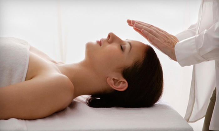 Massage Redefined - Virginia Park: $35 for a 60-Minute Therapeutic-Massage, Reflexology, or Reiki Session at Massage Redefined in South Tampa ($70 Value)