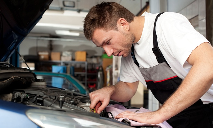 Transmission Warehouse - 2: $70 for an AC Service, Clean, and Deodorizer at Transmission Warehouse ($214.99 Value)