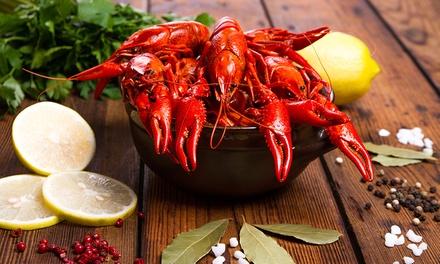 Le homard bleu de Bretagne entier pour 2 personnes à 75 € au restaurant LAlchimie