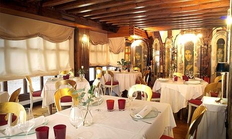 Menú degustación estrella Michelin con snacks, entrante, principal, postre, vino y café en Las Torres Restaurante Oferta en Groupon