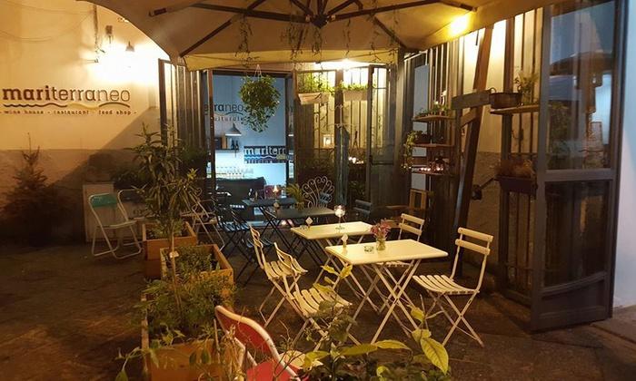 Mariterraneo - Salerno: Mariterraneo: menu gourmet Slow Food alla carta e bottiglia di vino in centro storico a Salerno (sconto fino a 53%)