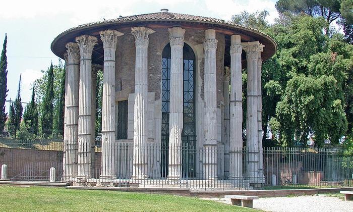 Visite guidate a scelta tra cui Villa Torlonia e nel bunker di Mussolini per 2 o per 3 persone (sconto fino a 71%)