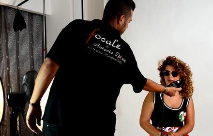 Shooting fotografico in studio per una o 2 persone da Focale Photographer di Antonio Epifani (sconto fino a 83%)