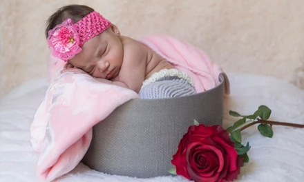 Sesión de fotos para newborn con 150 fotos en calidad web y 2, 4 o 6 retocadas e impresas desde 24,95 € en Paco Bravo
