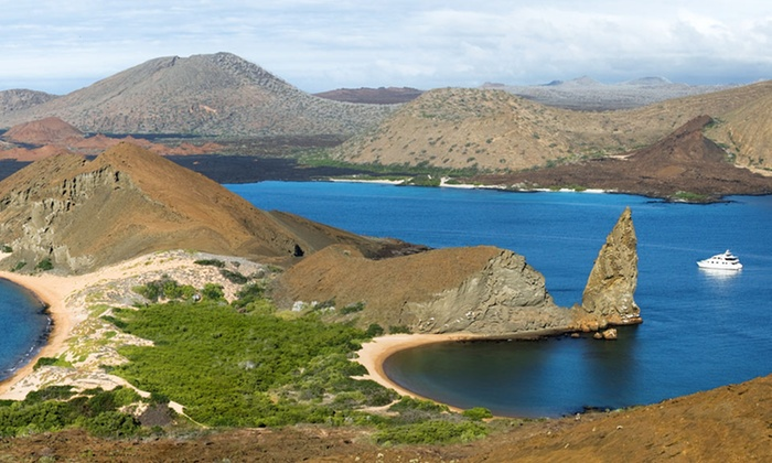 Galapagos Islands Tour - University District: Five-Day Galapagos Islands Tour with Accommodations and Most Meals from Red Mangrove
